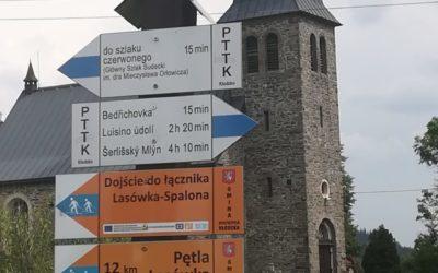 """Dzień 5: Schronisko Jagodna – Zieleniec – """"Żegnajcie jagodowe przysmaki, towarzystwo na szlaku i zagubiony szlak""""."""